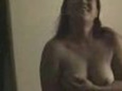 Chubby fem plays on livecam