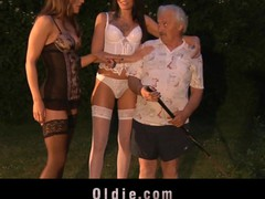 Grandpa gardener banged by two hooties