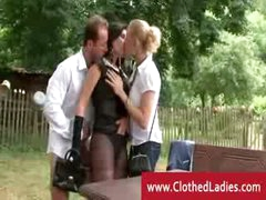 Estate agent sexxxing in the garden with rich couple